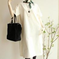 poushal ワンピース ¥19,800+tax ハット¥8,500+tax