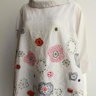 M.&KYOKO 刺繍とアップリケのブラウス¥36,000+tax *完売となりました。