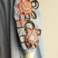 M.&KYOKO お袖の可愛い刺繍がポイントです