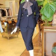 junko shimada 上品なウールのノーカラージャケット¥72000 スカート¥39000+tax