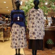 M.&KYOKO 左カットソー¥24200スカート¥40700 右コート¥75900