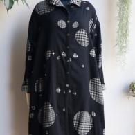 M.&KYOKO 冬までに着るリバーシブル仕立てのコートです。¥74800