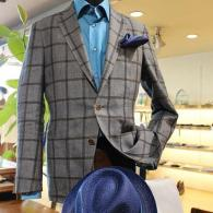 RICHARD JAMESジャケット¥71,520(税込)イタリー製の大柄チェックですが、色合いがシックなので大人のムード満点。