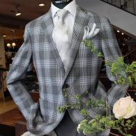 mila shon ジャケット 大胆なグレインプレイド柄は上質で、上級者向き。同素材のパンツもご用意しています。