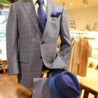 LONNERジャケット¥84,240(税込)イタリー製のサマーツィード、チェック柄。春先、秋口に最適です。