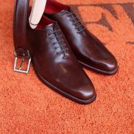 オプション・レザーのホールカット。世界の名靴ベルルッティを彷彿させるセクシーさ。