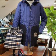 CASTELBAJACフーデッドコート¥43,000+tax 気軽に羽織れる軽~い一着。アイコンがかわいい。