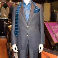 LONNERセットアップ・スーツ¥63,000+¥23,000+tax 柔らかいデニム風素材にアウトポケットがカジュアル感を醸し出しています。