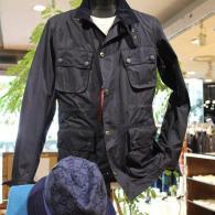 orobiancoフィールド・ジャケット¥39,000+tax 薄手の高級ポリエステル素材は3シーズン用。