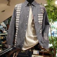 orobiancoシャツ¥21,000+tax チェックの切り替えがオシャレ。柔らかいフランネルは、秋口の羽織ものとして便利です。
