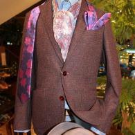 RICHRD JAMESジャケット¥69,000+tax ワイン色のツイードがいかにも秋冬物って感じ。