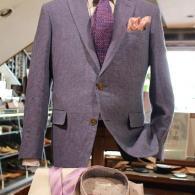 麻ジャケット¥97,900(税込)別注のラベンダーは芸術品の趣。近くで見ると惚れ惚れします。