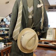 orobianco麻ジャケット¥42,900(税込)オリーブグリーンのリンクルクロスは軽くて張りがあります。