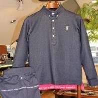 T-MACポロシャツ¥10,780裾裏のレッドがポイント、後ろ姿もかわいいんです。